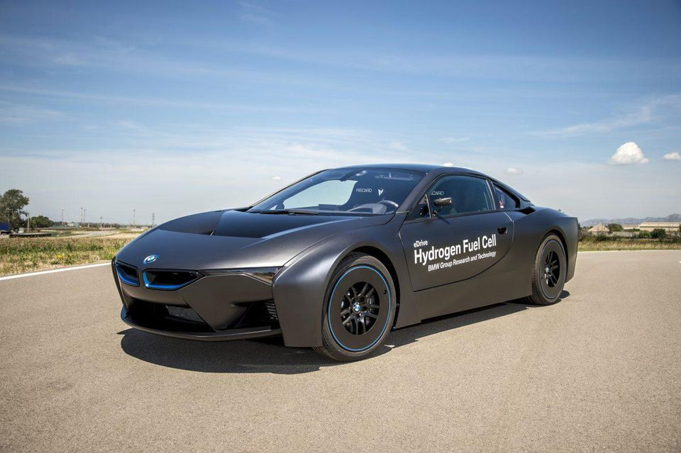 Bmw Promises To Join The Hydrogen Fuel Cell Party Hccr Human Capital Consulting Recruiting
