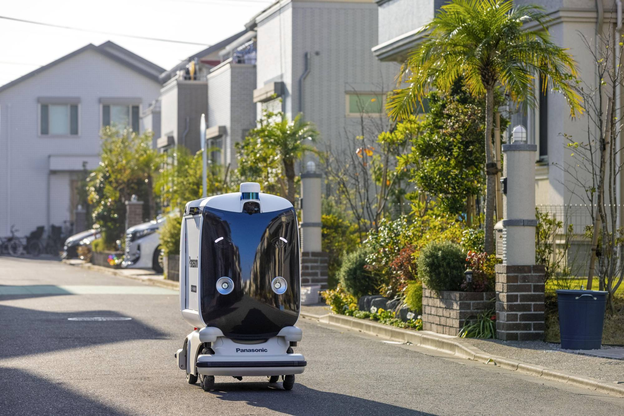 Panasonic to trial self-driving home delivery robot in February